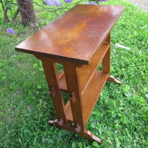 Superb Antique Roycroft Bookstand / End Table | W3343