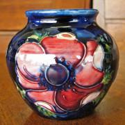 Moorcroft  Small Vase     FF730